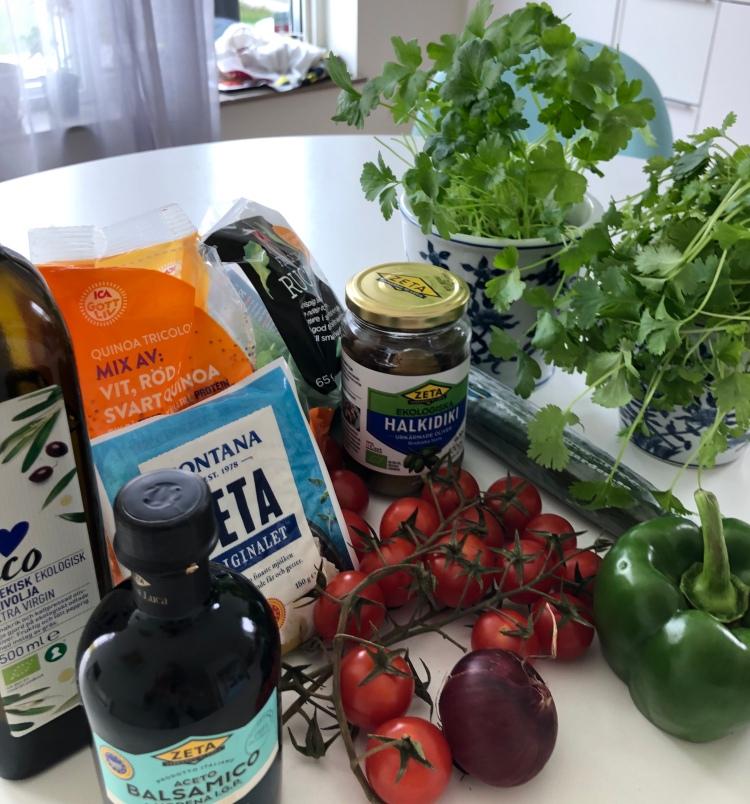 Ingredienser till quinoa-sallad